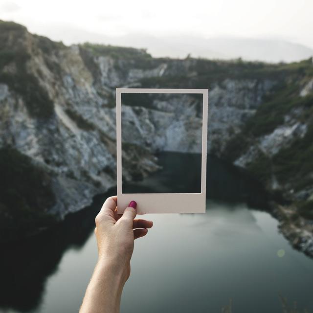 Polaroid-Ausschnitt Gebirgswelt